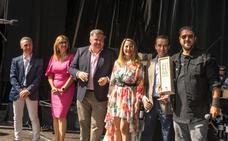 Antonio Orozco se compromete a seguir vendiendo «las excelencias» de Ribera del Duero por el mundo