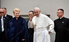 El Vaticano y China firman un histórico acuerdo para el nombramiento de obispos