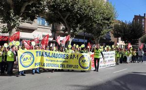 Los trabajadores de la AP-1 exigen la subrogación total, mientras Gobierno y Junta diseñan los nuevos accesos