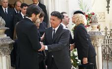 La familia organiza un funeral íntimo por Salvador
