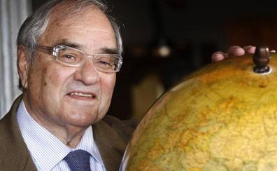La juez argentina reitera su intención de interrogar a Martín Villa por la causa del franquismo