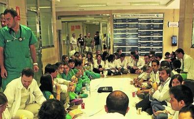 Médicos y enfermeros de guardia recuperan la manutención tras seis años de recortes