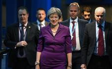 Emerge otro plan de May entre las aguas revueltas por Johnson