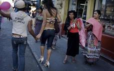 Transexuales comienzan una huelga de hambre para obligar a Podemos a llevar su ley al pleno
