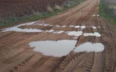 El PSOE denuncia que cerca de 500 localidades no podrán reparar sus caminos antes de 2019