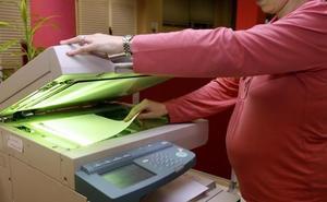La devolución del IRPF de las prestaciones maternales llegará a casi 48.000 personas en la región