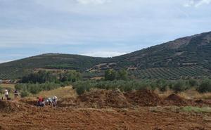 La campaña de excavaciones en El Sotillo saca a la luz más de cinco mil utensilios de industria musteriense