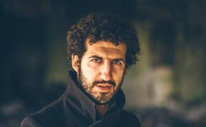 El cantautor Marwan estrena el nuevo salón de actos de la Fundación Caja Rural