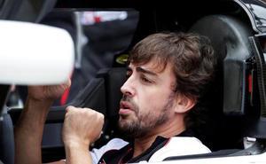 Alonso vuelve a sonreír en Japón