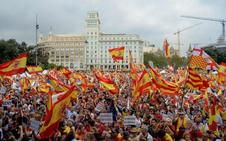 Miles de personas piden mano dura en Barcelona contra los líderes del 'procés'