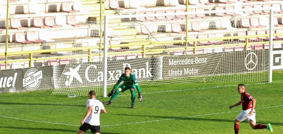 El Burgos CF sigue sin rumbo y le cuesta el puesto a Mateo