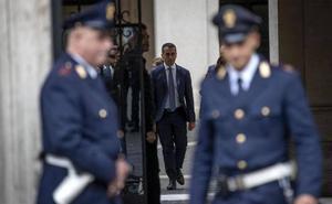 Italia reafirma su pulso con Bruselas al negarse a reducir el déficit