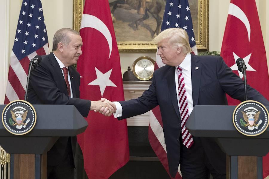 Erdogan y Trump tratan por teléfono el caso Khashoggi