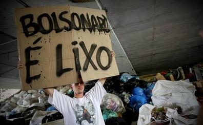 Bolsonaro se escuda en su salud para evitar un debate electoral con Haddad