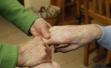 Varios pueblos habilitan un servicio de transporte gratuito para acercar a los mayores al centro de salud