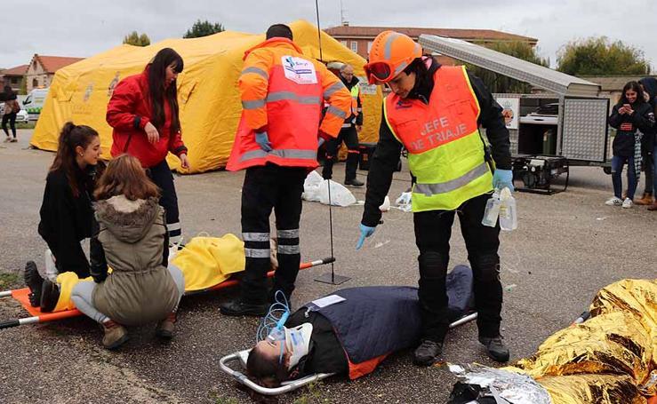Simulacro de emergencia sanitaria con múltiples víctimas