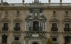 En busca y captura el acusado de retener y amenazar de muerte a sus compañeras de piso en Granada