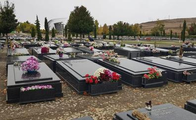 Las inhumaciones caen un 3,8% en el Cementerio de San José en 2018
