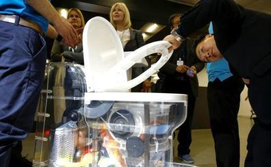 Un inodoro que funciona sin agua para ahorrar 200.000 millones
