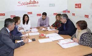El PSOE cifra en 17 el número de vacantes que Sanidad ni cubre ni amortiza