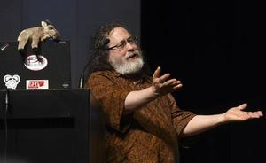 Stallman alerta de los problemas del software privativo en el III Foro de la Cultura de Burgos