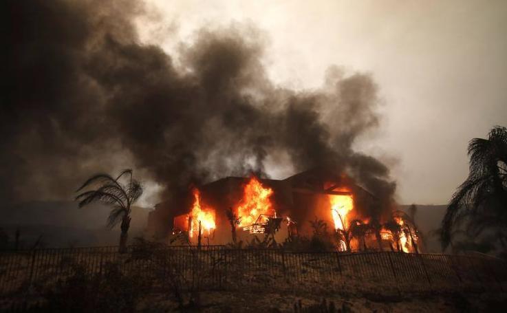 California, devorada por las llamas