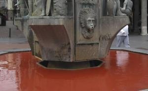 Tiñen el agua de cinco fuentes de Valladolid