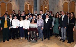 Víctor Manuel y Teresa Perales, embajadores del cuidado de personas con Síndrome de Down