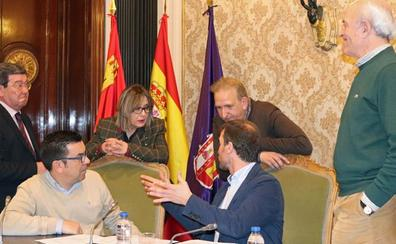 La oposición no hace los deberes y los presupuestos de la Diputación se retrasan