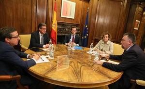 PP y Cs apelan tras su reunión «constitucionalista» al «rescate» del PSOE