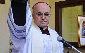 El acusador del Papa, condenado por robo