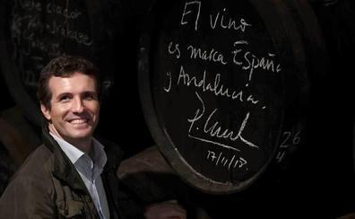 Casado censura el «silencio» de Sánchez