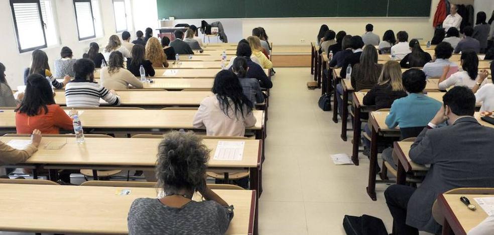 La Junta reserva 313 aulas en cuatro ciudades para repetir un examen anulado a más de 18.000 opositores