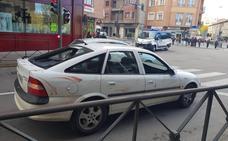 La policía detiene en Aranda a un hombre ebrio que conducía un coche que presentaba manchas de sangre