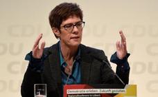 Kramp-Karrenbauer tiene las simpatías de los votantes alemanes como sucesora de Merkel