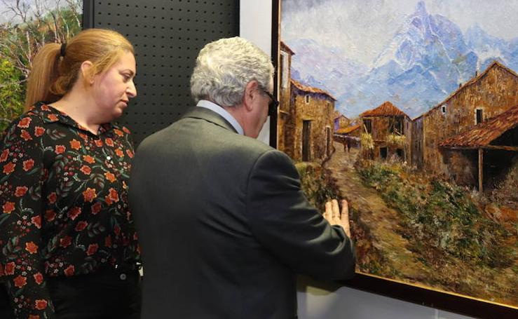 Exposición 'Con otra mirada' con cuadros realizados por pintores con discapacidad visual grave
