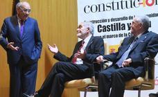 Expresidentes de la Junta reivindican el modelo autonómico en Tordesillas