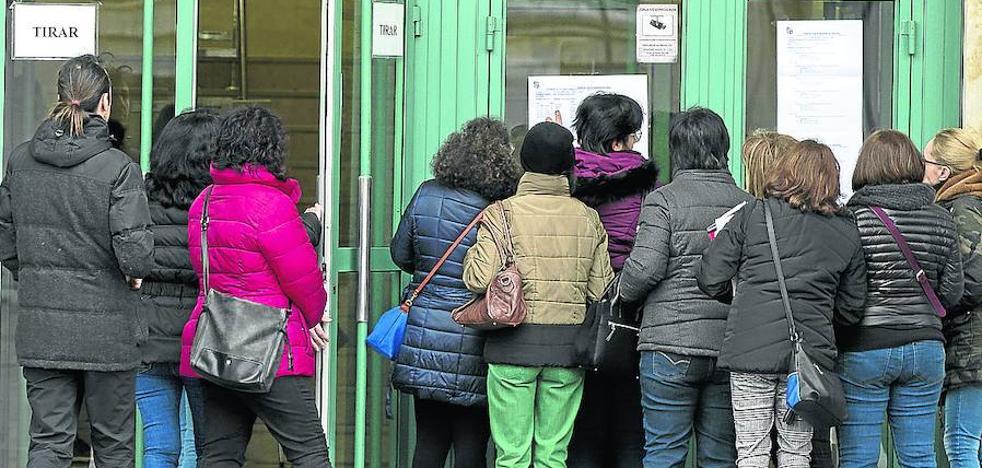 La Junta de Castilla y León plantea sacar 4.500 plazas de oposiciones a seis meses de las elecciones