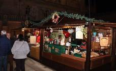 Un paseo por la artesanía en el Mercado Navideño de Burgos