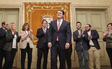Mañueco presenta la dimisión como alcalde para preparar su carrera a la presidencia de la Junta