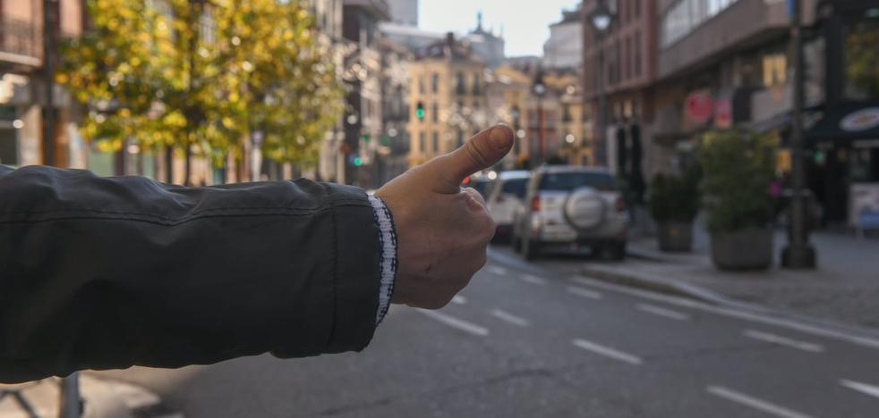 Si haces autostop puedes ser sancionado con 100 euros...