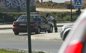 El PSOE propone multar a los clientes de prostitutas y penas de cárcel si es con una menor