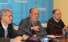 León de la Riva critica la actitud «mezquina y ruin» de Puente y no descarta volver a la política