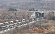Un sobrecoste de cifra incierta: el incauto convenio del desvío ferroviario