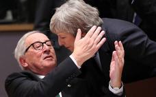La UE despacha a May con apoyo político