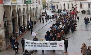 Los pensionistas se echan a la calle para exigir el «blindaje» del sistema público y pensiones dignas