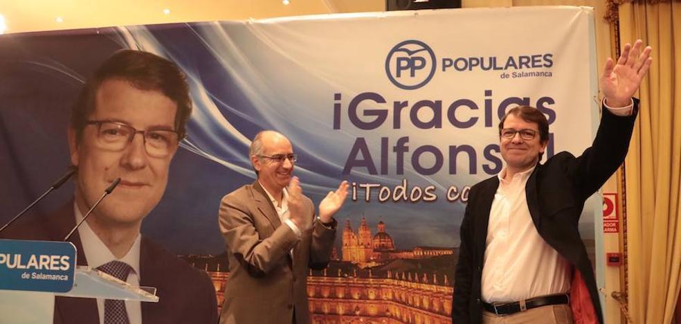 Mañueco abre la puerta de la Alcaldía a García Carbayo y pide «todo el apoyo para él»