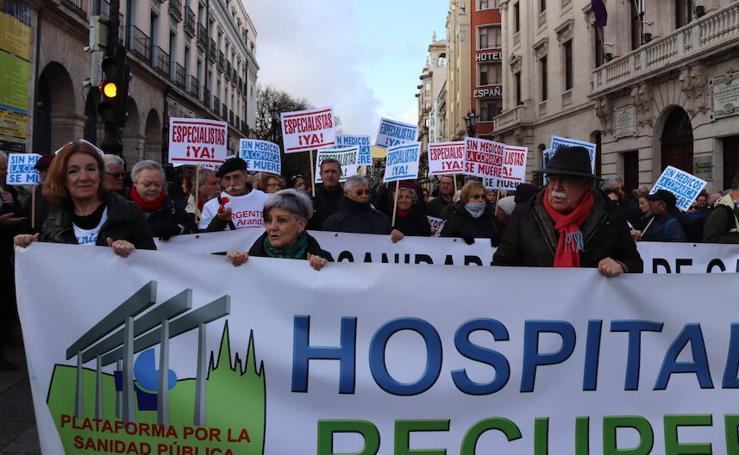 3.000 personas salen a la calle en Burgos para defender la Atención Primaria