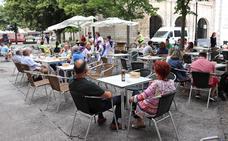 El Ayuntamiento niega que la ordenanza de terrazas sea «política» y afirma que se ha coordinado con los hosteleros