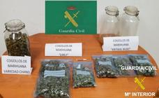 Detenido tras ser sorprendido transportando medio kilo de marihuana